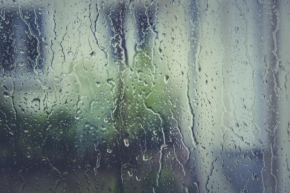 Erős hidegfront jön - Eső, viharos szél is lesz