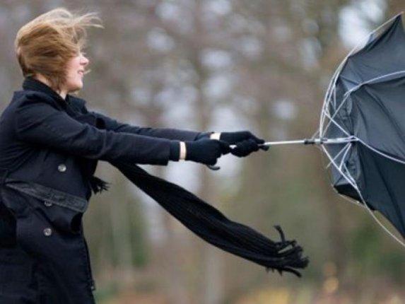 Riasztás! Viharos széllel érkezik a hidegfront