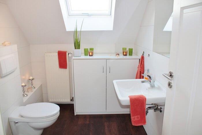 Zseniális, olcsó trükk a koszos, büdös WC ellen